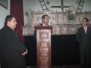 Presentación del cartel de la Hermandad del Santo Entierro de Lora del Río